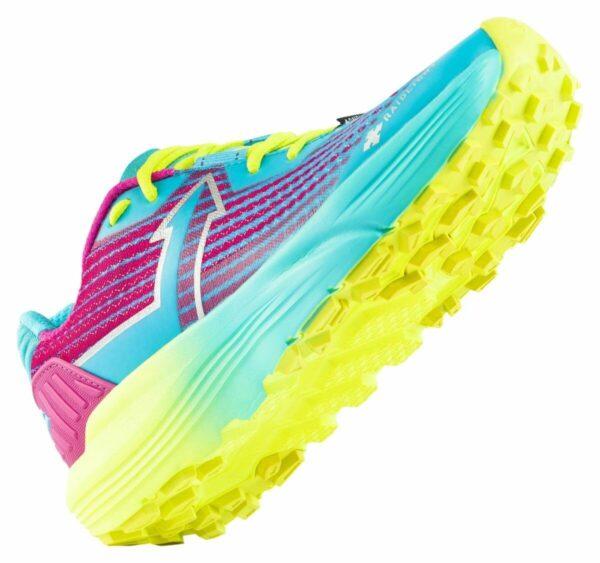 gniw300_34f_responsiv_ultra_shoes_w_raidlight_03